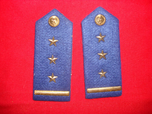 Vietnam War Pair Of VC Air Force CAPTAIN Shoulder Badges Epaulets