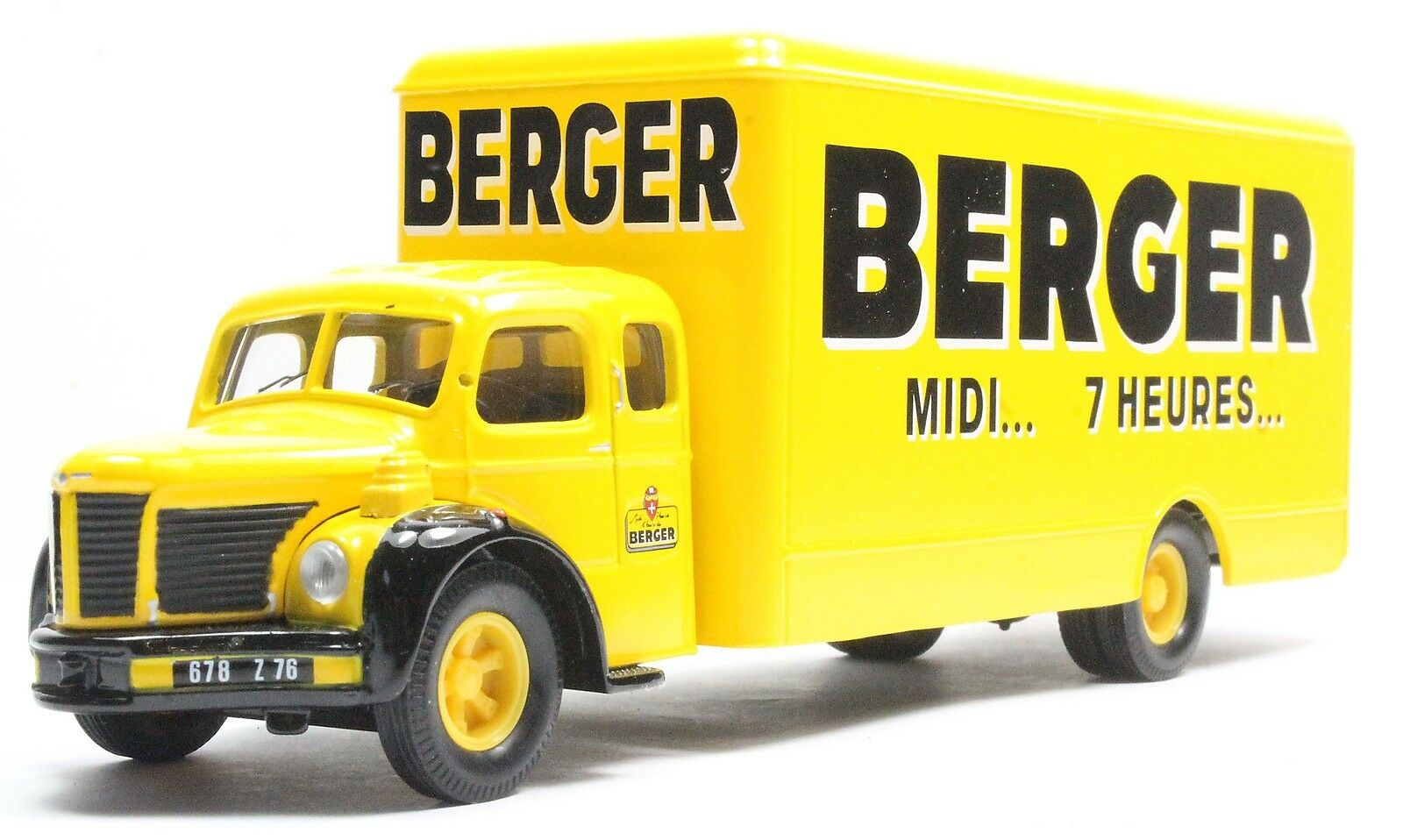 1 50 CORGI 73007 BERLIET GLR FOURGON 4T