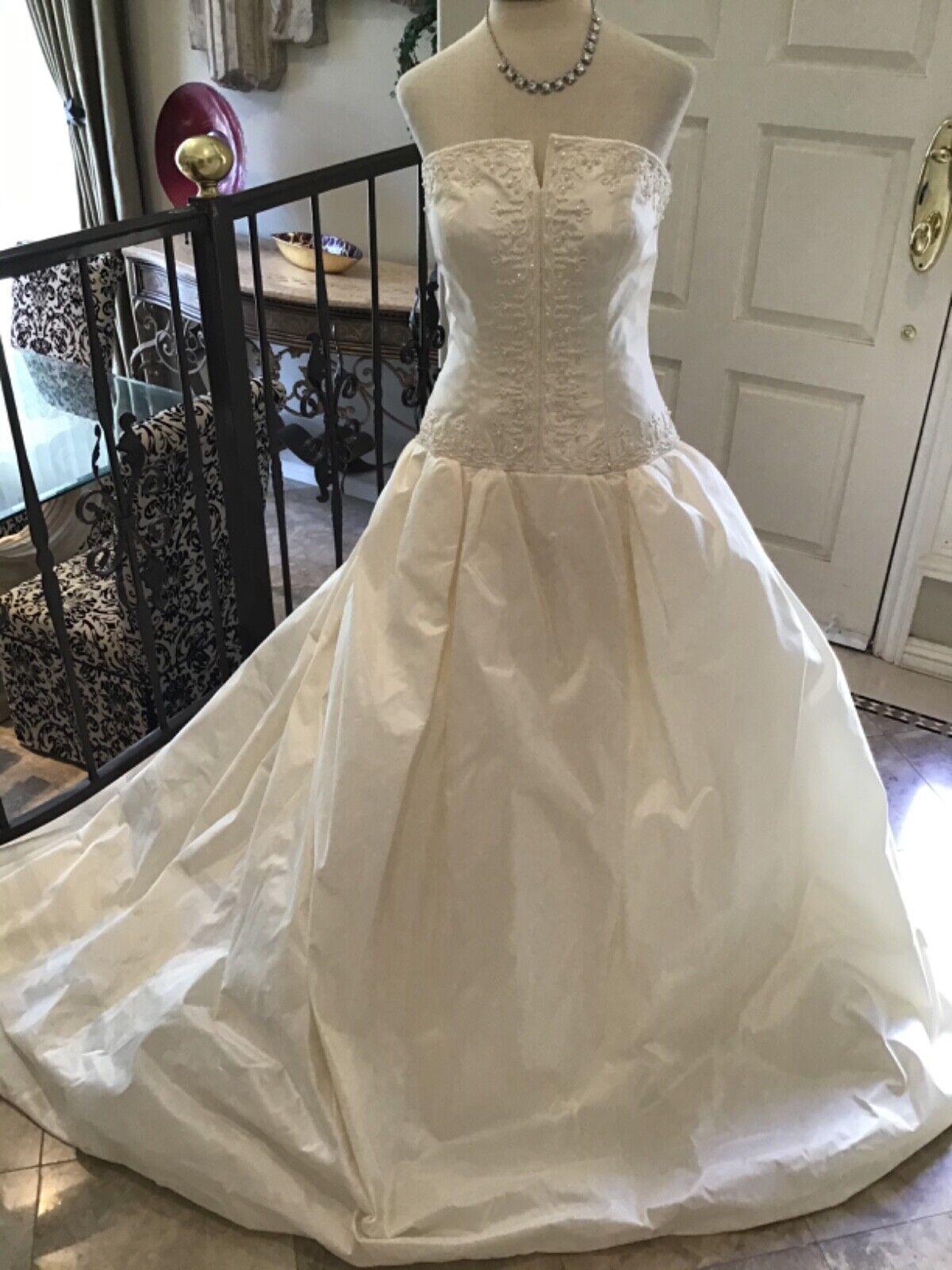 PRONOVIAS NEW Bridal Ball gown Wedding Dress BIBIANA Strapless Ivory SILK 12