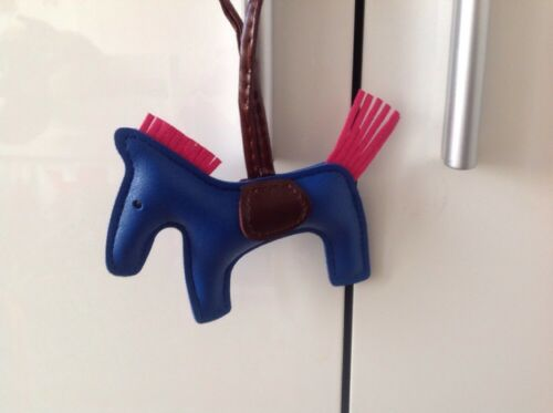Taschenanhänger Bag Charm Anhänger Pferd Rodeo Blau Pink Braun Neu