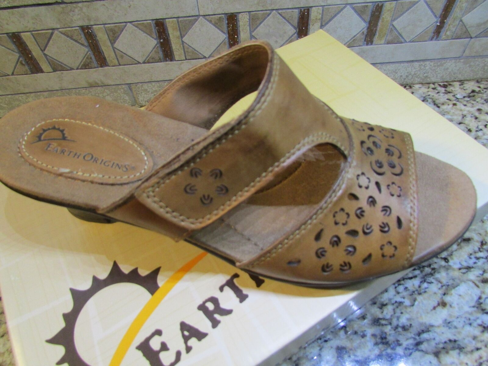 NEW EARTH ORIGINS TRIXIE SANDALS WOMENS 6.5 BROWN LEATHER SLIDES   FREE SHIP