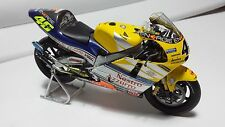 Valentino Rossi. Honda NSR500 2001 MotoGP. Minichamps 1/12.