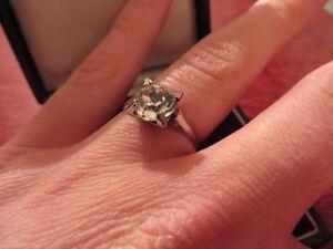 Attraktiver-Silber-Ring-800-Zirkonia-Solitaer-wie-Diamant-Zweikaraeter-2-CT-Gross