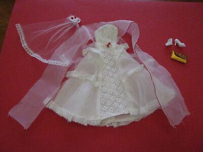 134) Vecchio Abito Da Sposa + Velo + Stola + Clutch + Scarpe Barbie U.a.29cm Bambole Moda-leier+stola+clutch+schuhe Barbie U.a.29cm Modepuppen It-it Mostra Il Titolo Originale
