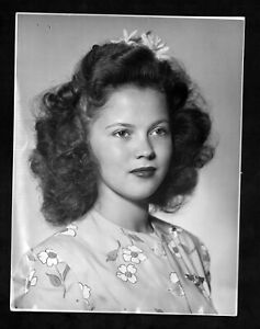 """1943 Press Photo Child Star, Shirley Temple Appearing in """" Since You Went Away """""""