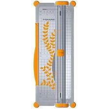 Fiskars A4/A3 Guillotine Cutter & Ruler Paper/Card Trimmer Acute/Precision F9893
