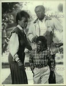 Details About 1985 Press Photo Yaphet Kotto Cicely Tyson Gary Coleman Playing With Fire