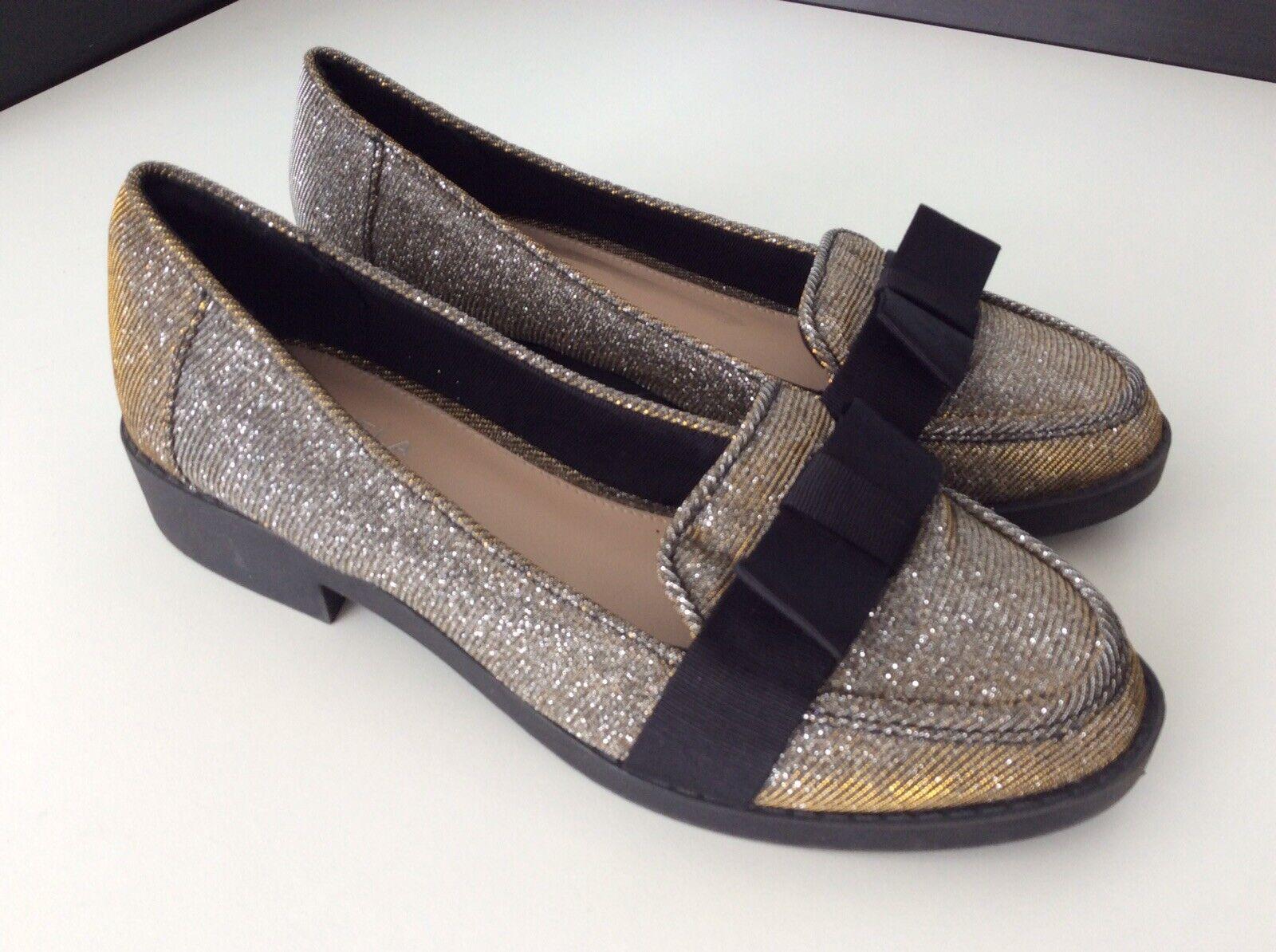 Carvela Kurt Geiger Womens Flat shoes, Uk 4 Eu37 Silver gold Vgc