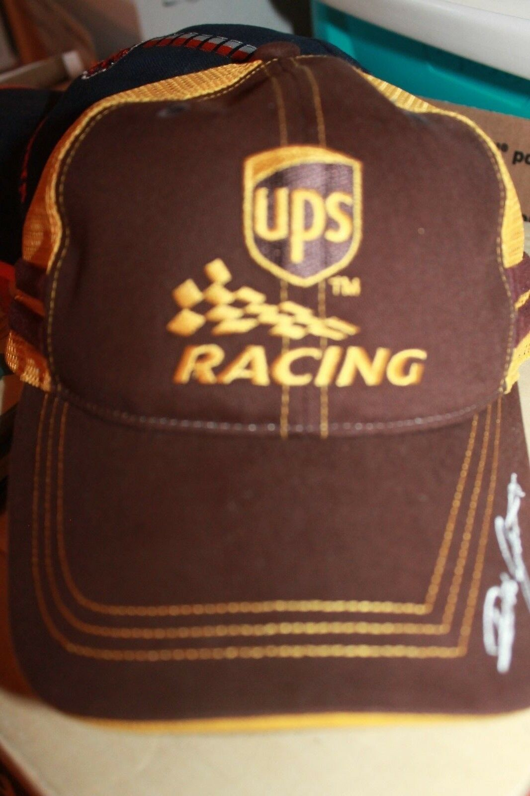 Vintage UPS racing team trucker hat adjustable brown / yellow mesh adjustable hat hat 01274e