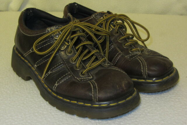 dr martens aw4 boots