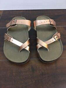 Bryceee Toe Ring Sandal Size