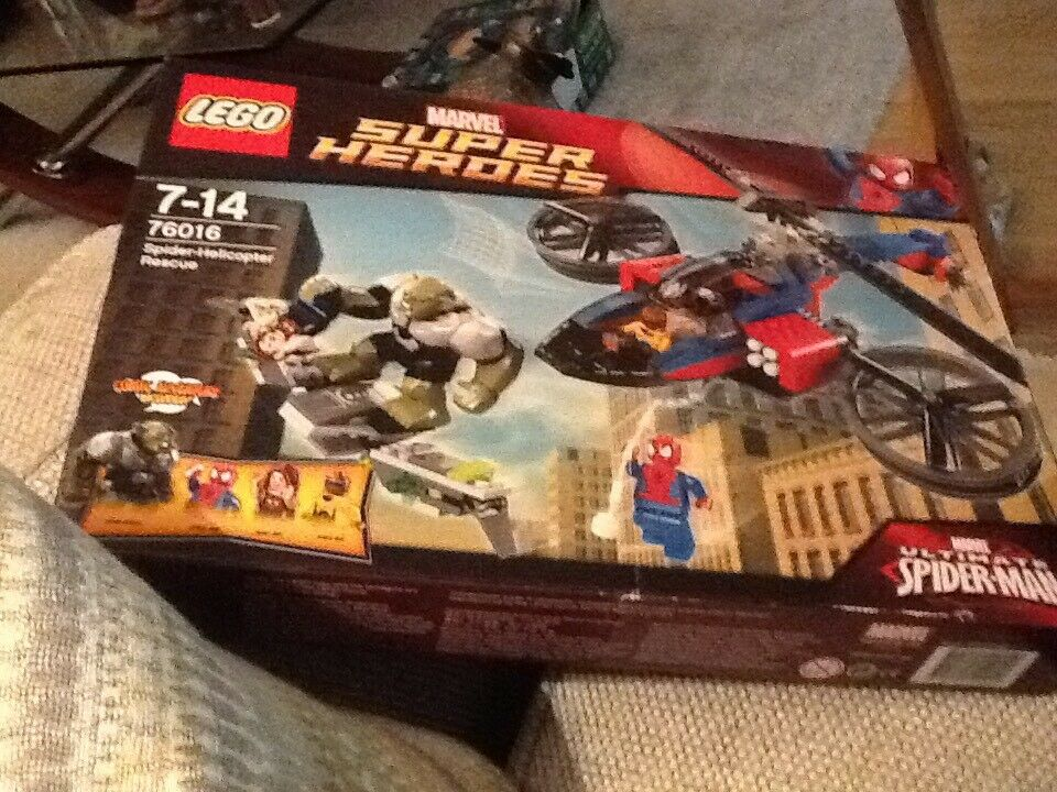 LEGO 76016 Spider-Helicopter Rescue Inc Green Goblin Spiderman New and Sealed