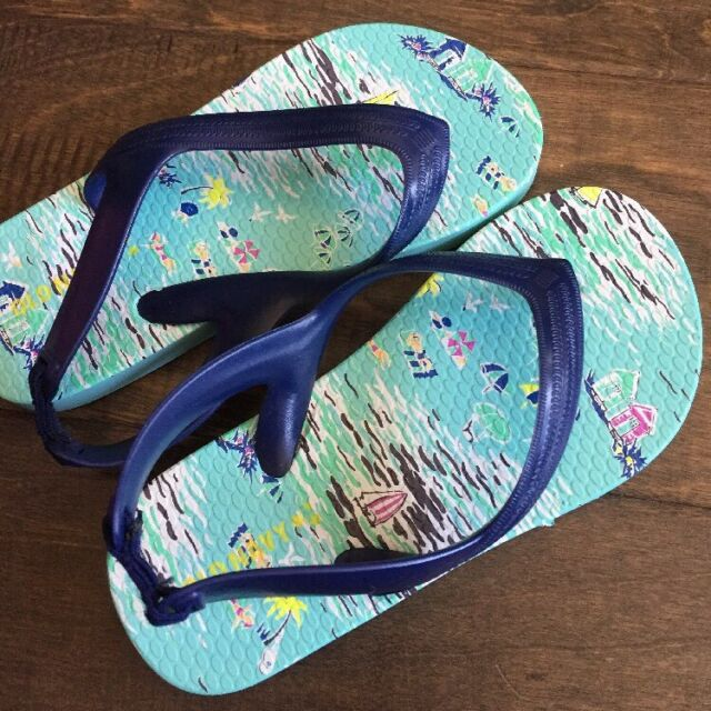 be60931791f EUC Boys Old Navy Aqua Navy Blue Hawaiian Print Flip Flop Sandals Size 9