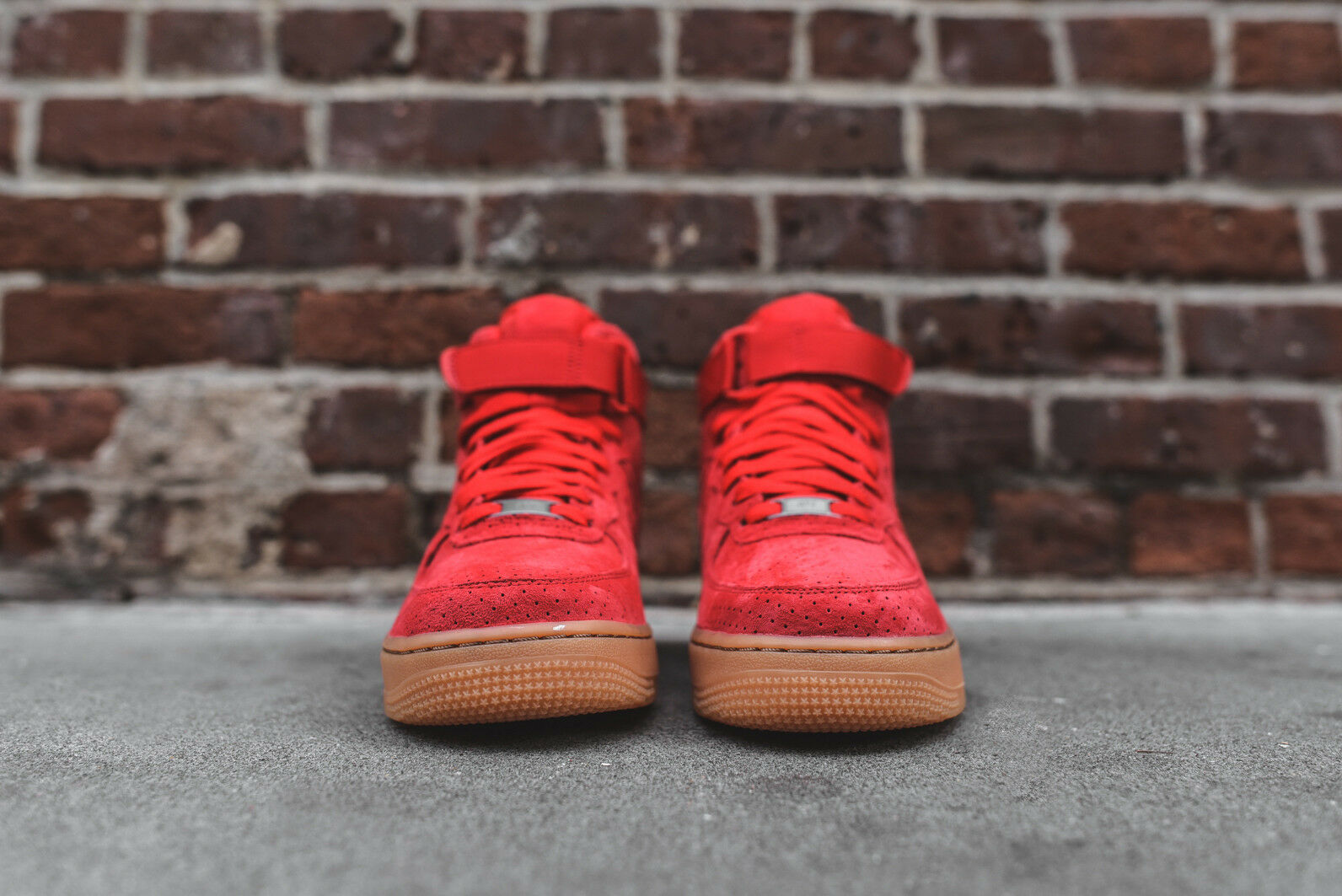 4bd9079fdc8ee9 Womens Nike Air Force 1 Hi Suede Basketball Shoes Size 7 Red Gum 749266 601  for sale online