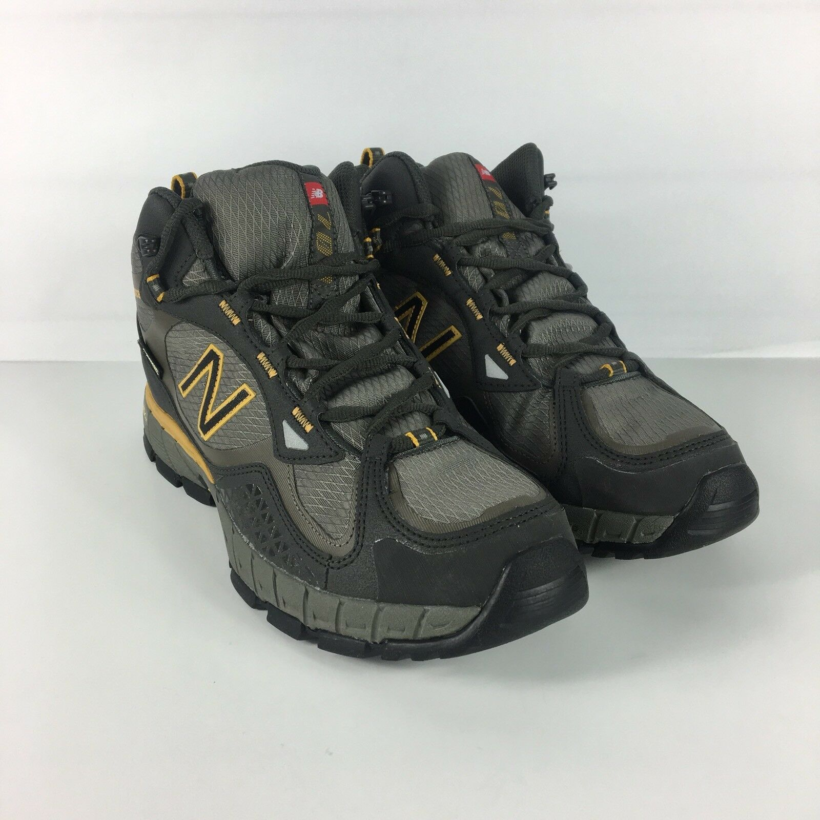 New Balance 703 Gore Tex Mens SZ 8 Hiking Boots Shoes Vibram Olive Green Black