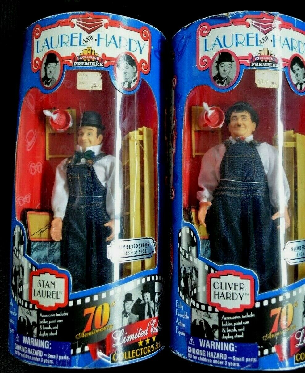RARE -ICONIC  LAUREL AND HARDY ACTION FIGURE COLLECTORS SERIES - HARD TO FIND