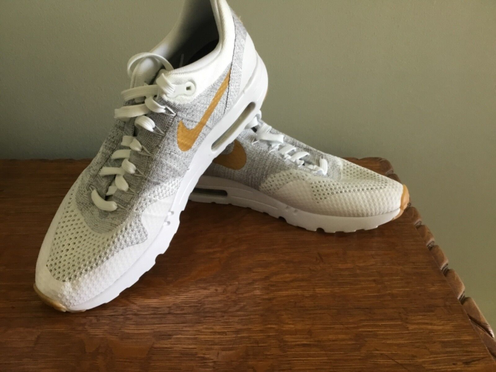 Nike Air Max Weiß Gold Athletic Men's schuhe 11 New NIKEID