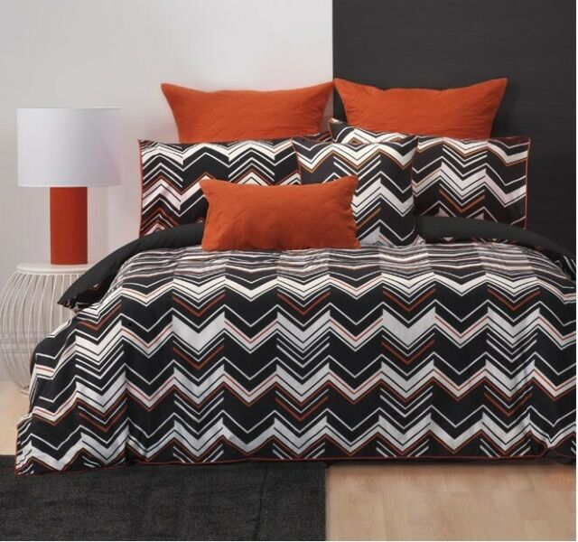 New Bianca Barlow Queen Size Quilt / Doona Cover Set  Chevron
