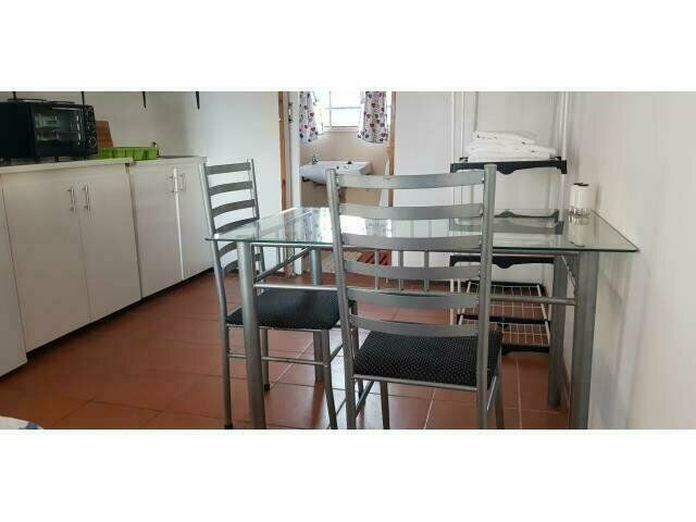 Bachelor flat to rent for Holiday Accommodation-R700.00 Per Day