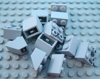 LEGO Lot of 12 Light Bluish Gray 2x2 Inverted Creator Slope Pieces