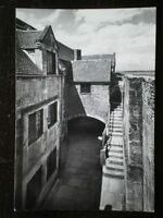 POSTCARD RP ISLE OF WIGHT YARMOUTH CASTLE - BASE COURT & STEPS TO GUM PLATFORM F