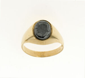 Mens-Onyx-Ring-Intaglio-Signet-Ring-Solid-Yellow-Gold-Engagement-Ring-Gents