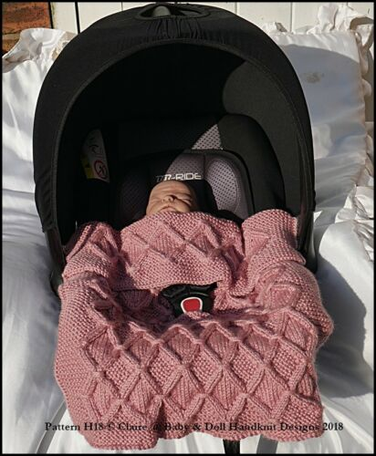 BABYDOLL HANDKNIT DESIGNS CAR SEAT PUSHCHAIR BUGGY PRAM BLANKET KNITTING PATTERN