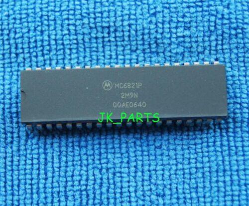 10pcs MC6821P MC6821 chip ICs Peripheral Interface Adapters DIP-40