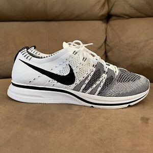 Nike Flyknit Trainer - White/Black Size