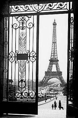 Eiffel towel Paris  Home Decor Canvas Print, choose your size.