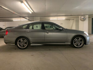 2006 Infiniti M35 Sport with Technology package