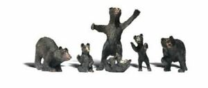 6 WOODLAND SCENICS HO SCALE BLACK BEARS BN1885