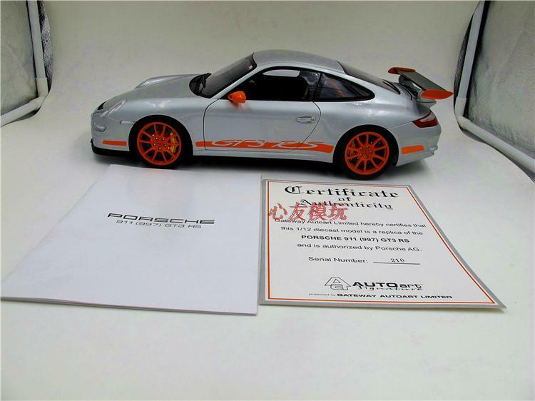 1 12 AUTOart PORSCHE 997 GT3 RS DIE CAST MODEL