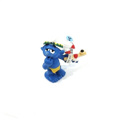 Smurfs Peace Pipe 20553 Native American Indian Figure Vintage PVC Toy