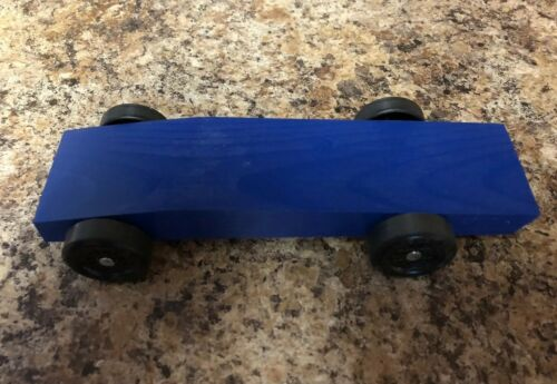 """Fast Pinewood Derby Car /""""Ready to Race/"""""""