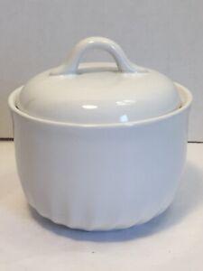Corelle-Coordinates-Stoneware-Enhancements-White-Swirl-Covered-Sugar-Bowl-Dish