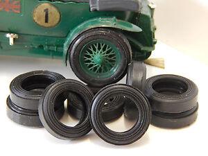 SCALEXTRIC 8 tyres URETHANE Bentley - IRL - France - État : Neuf: Objet neuf et intact, n'ayant jamais servi, non ouvert. Consulter l'annonce du vendeur pour avoir plus de détails. ... Item Type: Cars Country/Region of Manufacture: France MPN: E3 Manufacturer: Scalextric Sub-Type: tyres Brand: Un - France