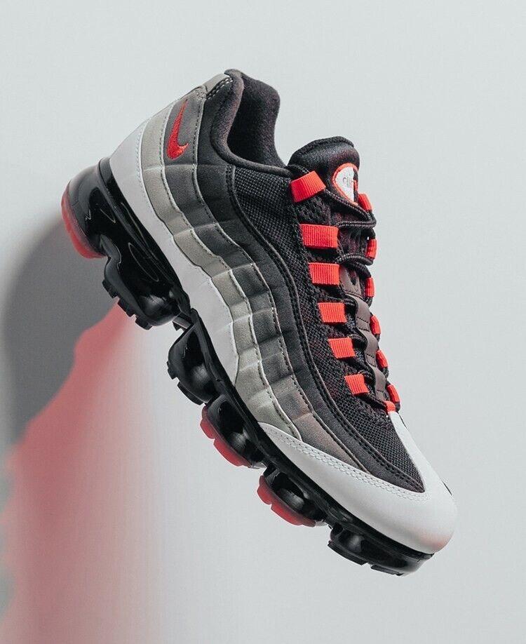 Nike Air VaporMax 95 UK 12 Eu47.5 White Dark Pewter Granite Hot Red