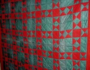 ANTIQUE-MENNONITE-RED-AND-GREEN-STAR-QUILT-BEAUTIFUL-CHRISTMAS-COLORS-c1900
