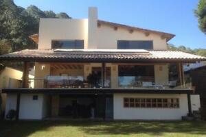 Casas Venta Valle de Bravo Avándaro 38-CV-2468