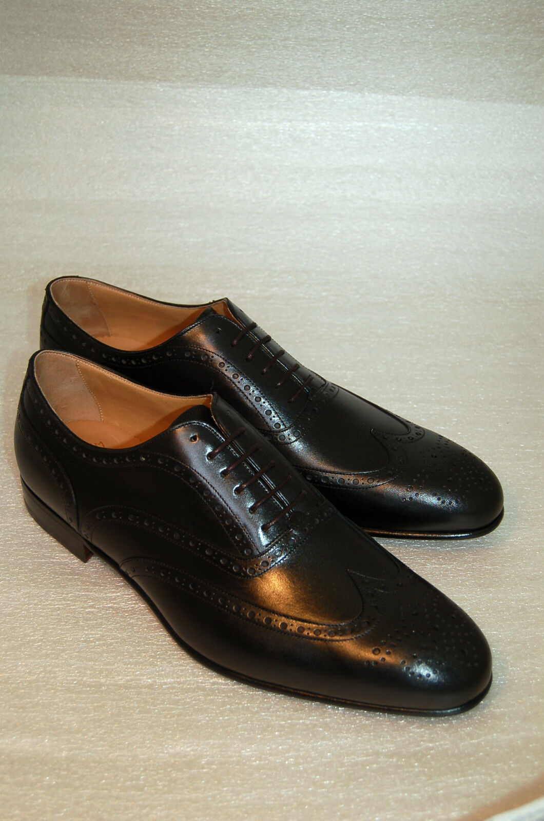 MAN - OXFORD WINGTIP - BLACK CALF CALF CALF W/PERFS AND MEDALLION - LEATHER SOLE - BLAKE 5b04f6