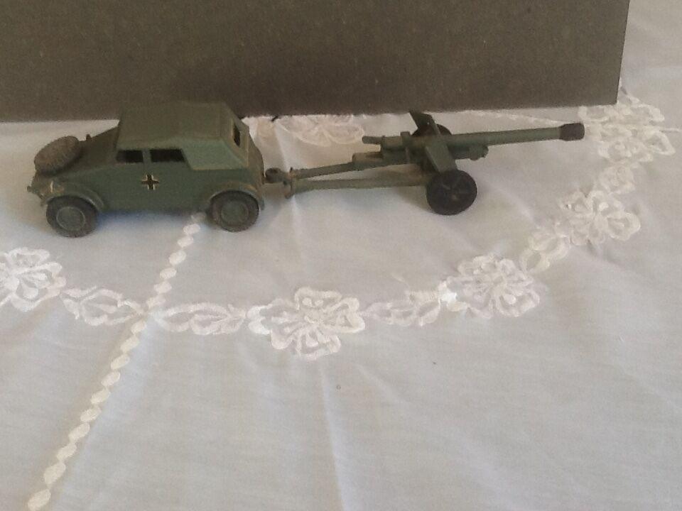 Dinky  Toy617 VW KDF And 50mm Anti Tank  Gun