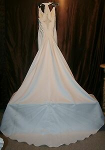 862ba3aaa5e6 Image is loading r-WEDDING-GOWN-SZ-4-GORGEOUS-WITH-TRAIN-
