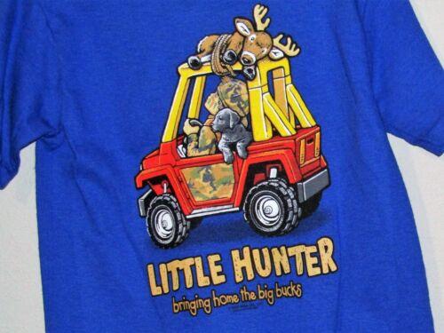 deer on top rack camo dressed hunter /& dog Blue T-shirt w//cartoon type 4x4