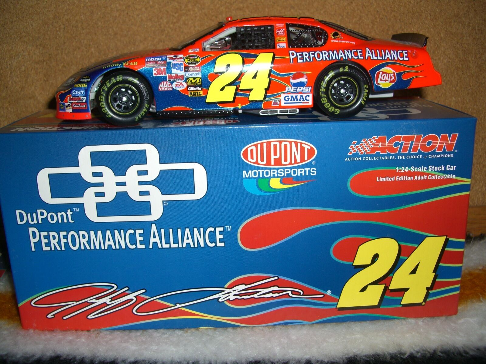 1/24 RCCA 2005  24 performance alliance Jeff Gordon club one of 900