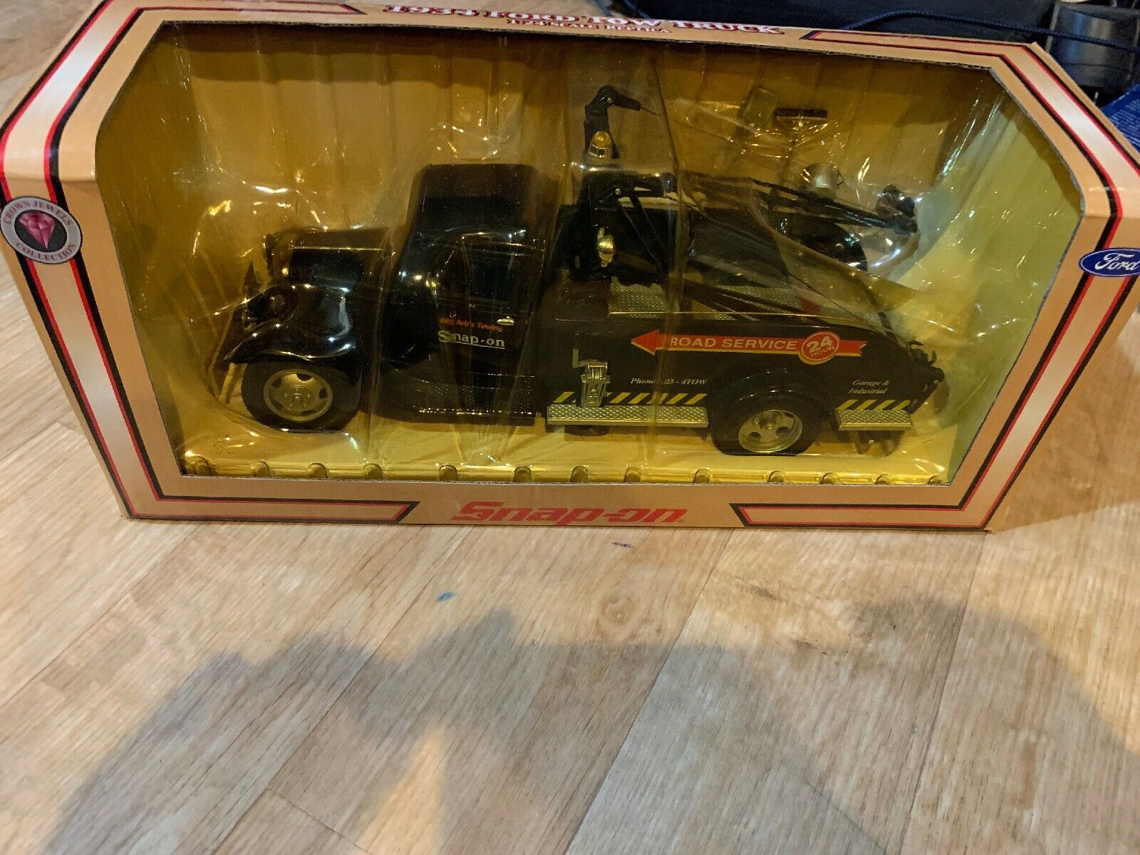 Snap-On Big Bob's servicio de carretera de remolque 1934 Remolque Camión Ford 1 24 réplica Corona