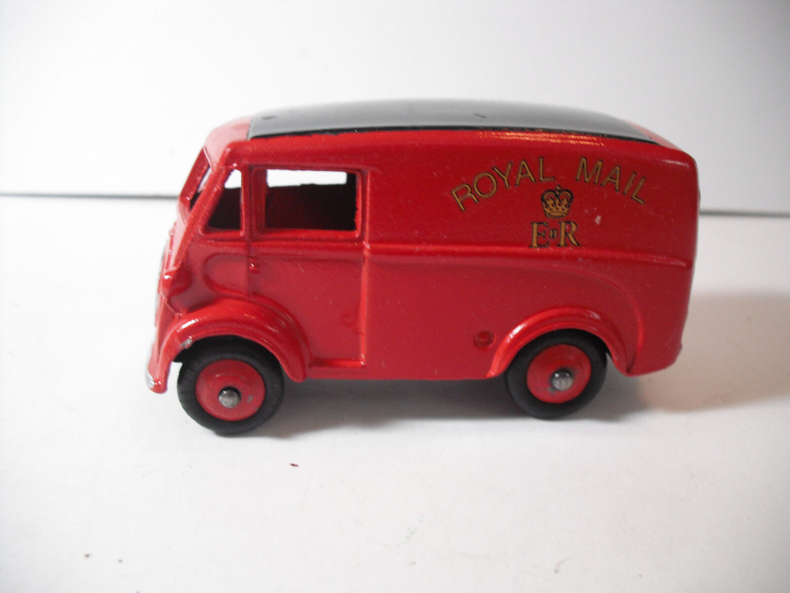 VINTAGE MECCANO LTD. ANTIQUE DINKY TOY No.26O MORRIS ROYAL MAIL VAN  RESTorosso