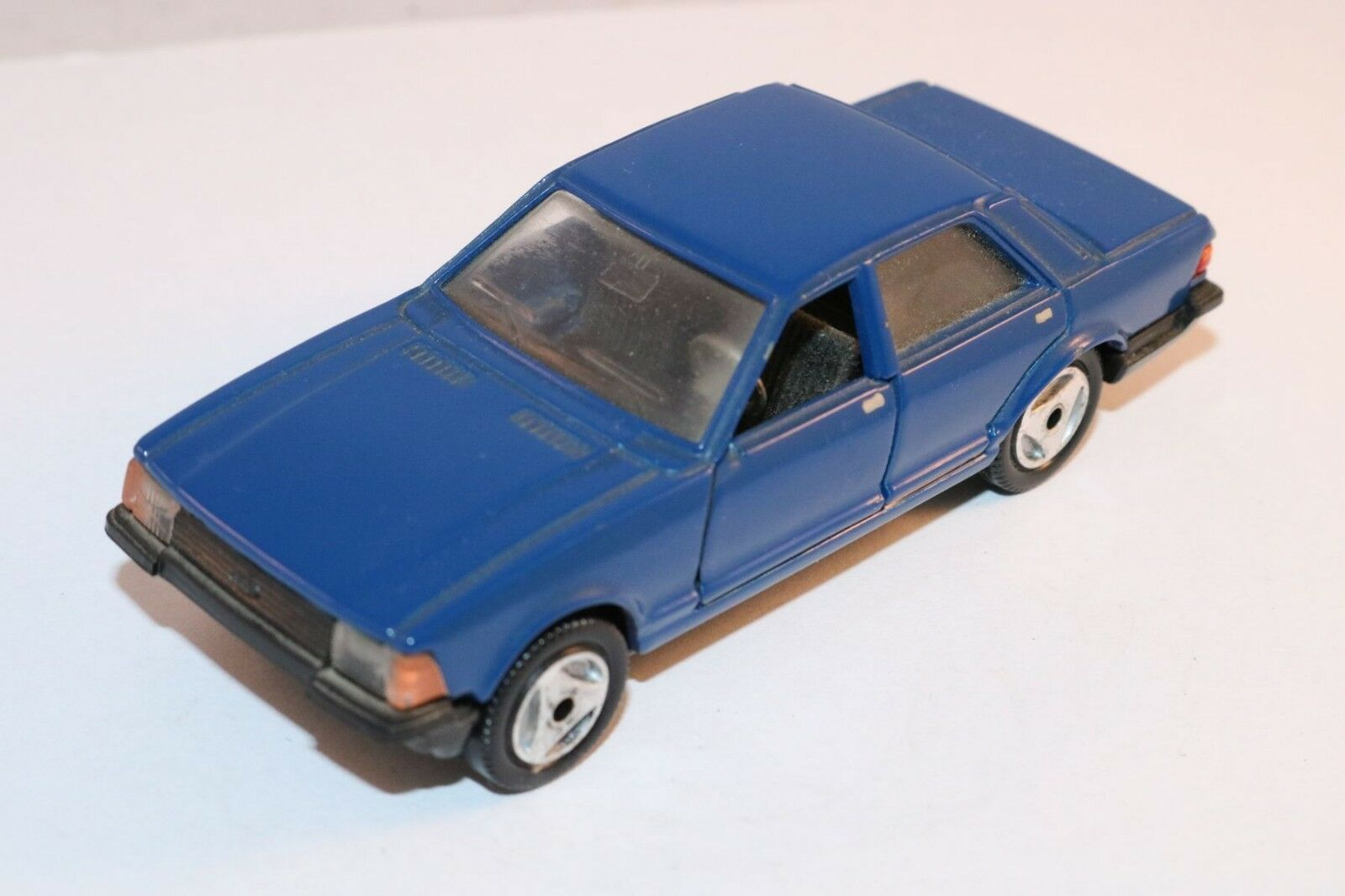 Hot wheels Hotwheels A121 Ford Granada rare dark bluee version very near mint