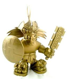 GOLD CHASE JAGUAR KNIGHT DESIGNER VINYL FIGURE JESSE HERNANDEZ /& POBBER TOYS