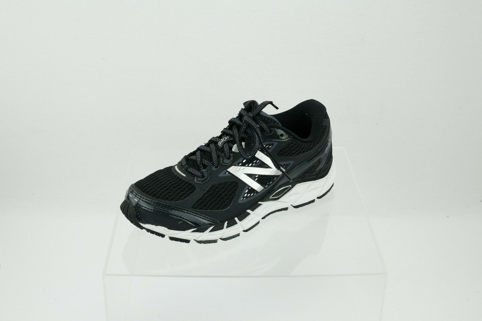 hommes New Balance M840BW3 noir /blanc Lace-up Running Chaussures